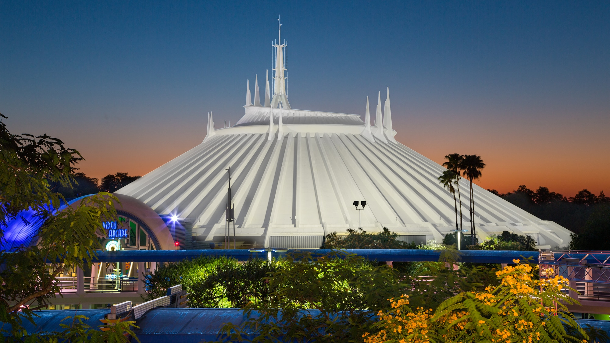 space mountain disneyland magic kingdom floride