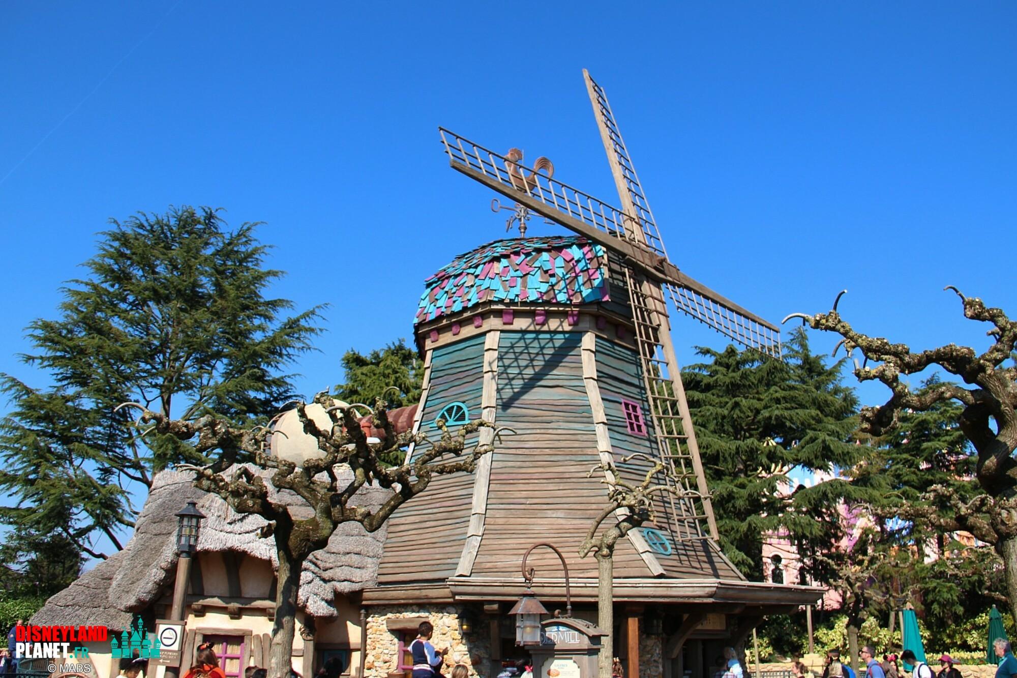 pirouettes vieux moulin disneyland paris